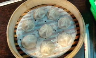 Xialongbao (steamed buns)